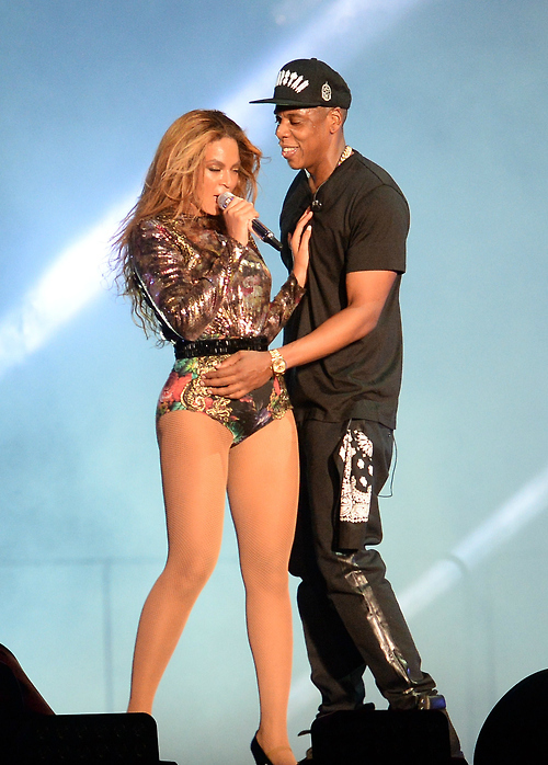 Beyonce-and-Jay-Z-On-the-Run-Tour-Outfits4